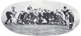 800px-Rugby_scrum_1904