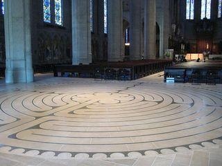 800px-Labyrinth