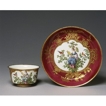 Cup and saucer chelsea pottery mid c18 v and a