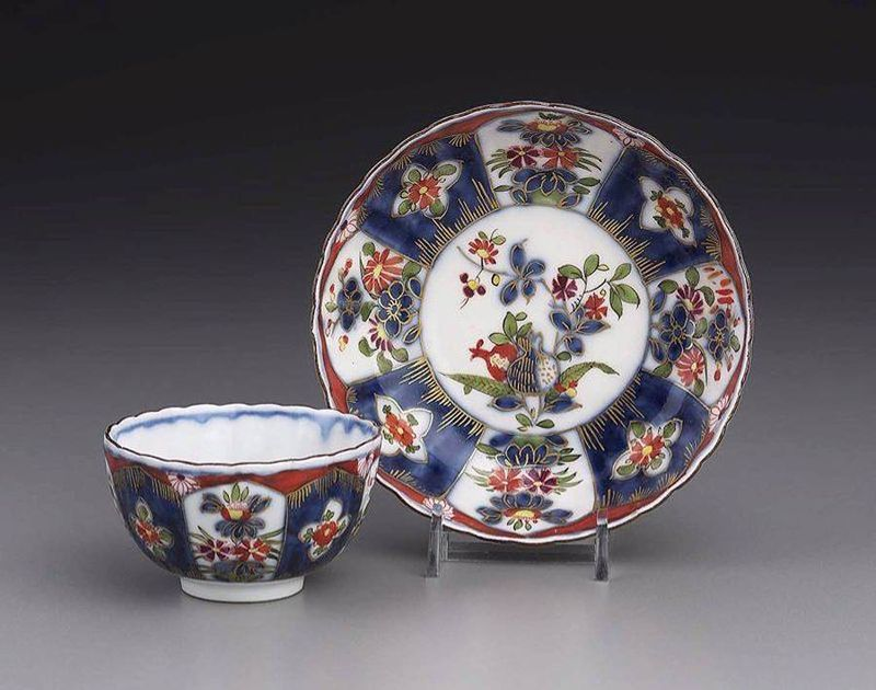 Meissen tea bowl and saucer 1725