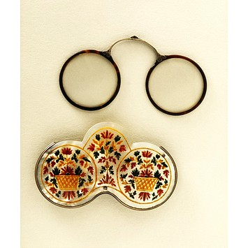 Spectacle and spectacle case c mother or pearl painted totoiseshell silver glass 1700 vandA