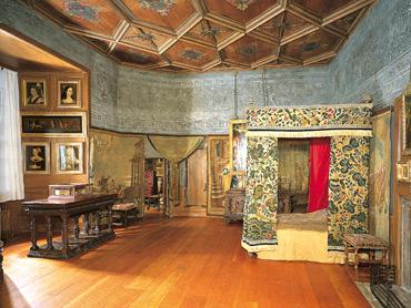 Mary Queen of Scots bedroom