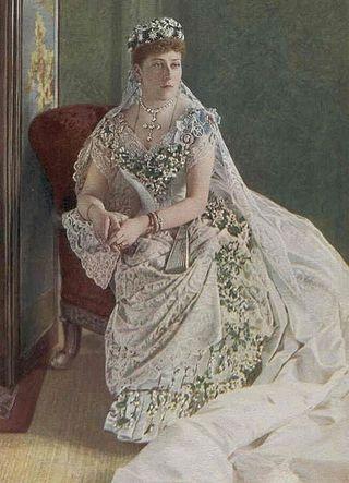 433px-Princess_Beatrice_coloured_bookplate