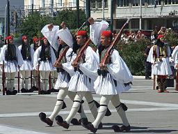 Greek_guard_uniforms_3