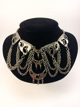 Hobe necklace