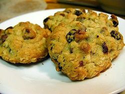 512px-Cookies_chocolate_chip