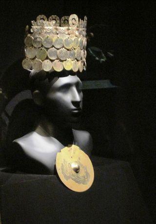 Gold jewelry  Larco Herrara Museum