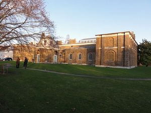 640px-Dulwich_picture_gallery_at_sunset