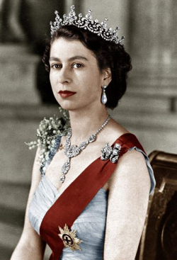 1433292688086_Queen-Elizabeth-official-photo