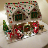 Gingerbreadhouse2013a