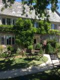 Lyveden cottage