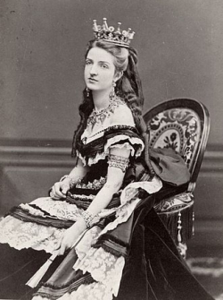 330px-Margherita_of_Savoy _Queen_of_Italy