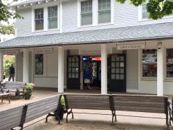 MV Visitors--Shop--Post Office--Restrooms