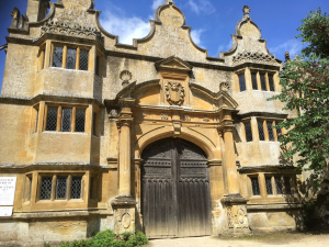 The_Stanway_House_gatehouse2