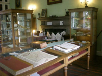 Library-of-innerpeffray