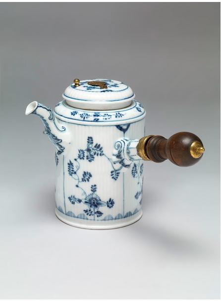 Wench meissen smithsonian 1775-1800 fair use