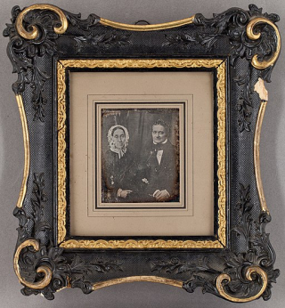 Daguerreotype._Portrait_of_a_couple.