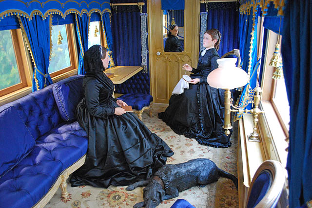 Ballater_station_-_the_interior_of_the_Victorian_railway_saloon_carriage_-_geograph.org.uk_-_787317