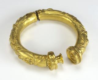 Gold-collar-broighter