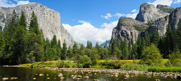 1280px-Valley_View_Yosemite_August_2013_002