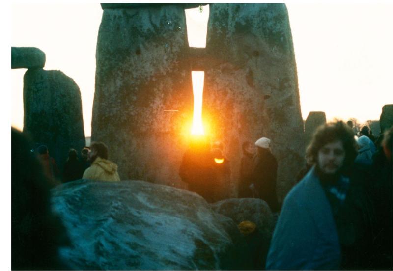 Ww stonehenge sunrise day of winter solstice