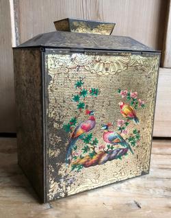 Tea tin birds