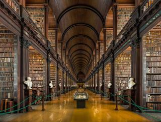 1191px-Long_Room_Interior _Trinity_College_Dublin _Ireland_-_Diliff