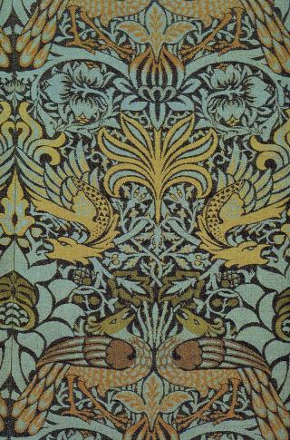 Morris_Peacock_and_Dragon_Fabric_1878
