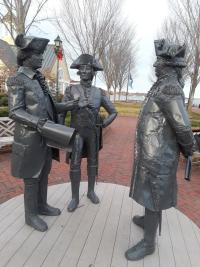 Yorktown statues