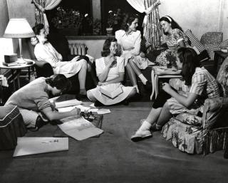40s-girls-teens-writing