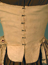 Linen_gown_1760_1780_hooks_2